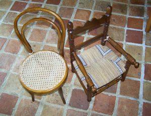 Chaises d'enfants, assise cannée ou paillée